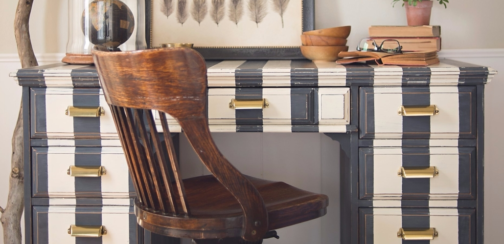 Annie Sloan Chalk Paint Graphite and Old White