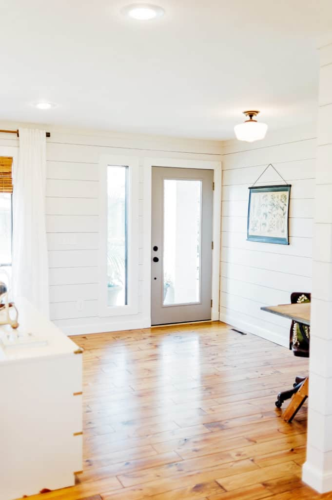 Open foyer allows for a bright and inviting entrance