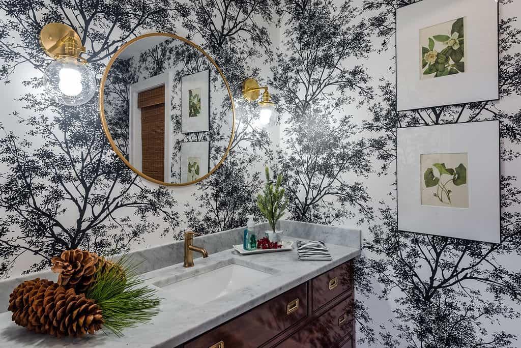 Bold wallpaper will make a big, trendy come back in 2018