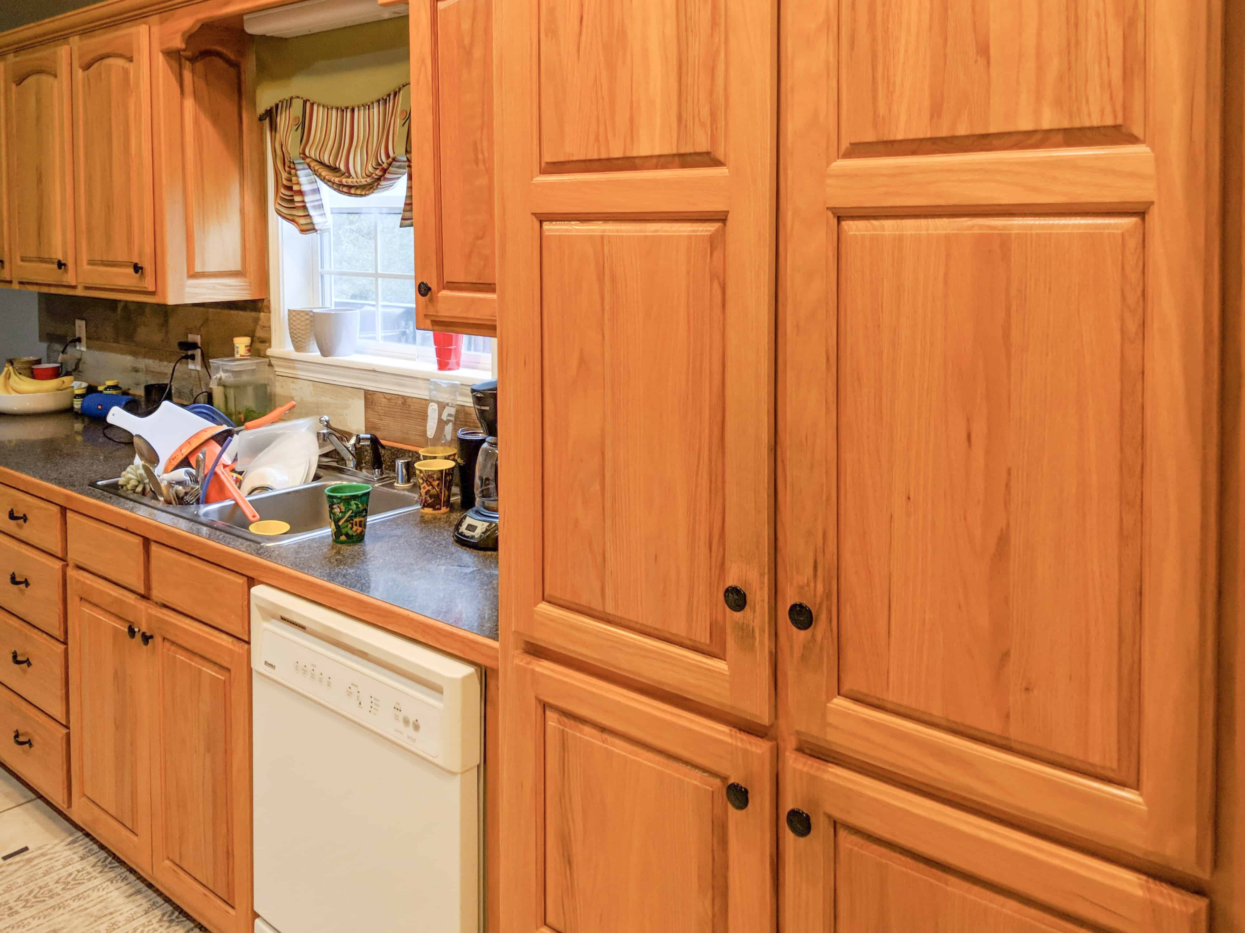 Dark Brown Cabinets Espresso Cabinets Espresso Painted Kitchen Cabinets Dark Brown Stained Kitchen Cabinets Kitchen Cabinets Painted In General Finishes Dark Chocolate How To Paint Cabinets Painting Kitchen Cabinets Can You Use