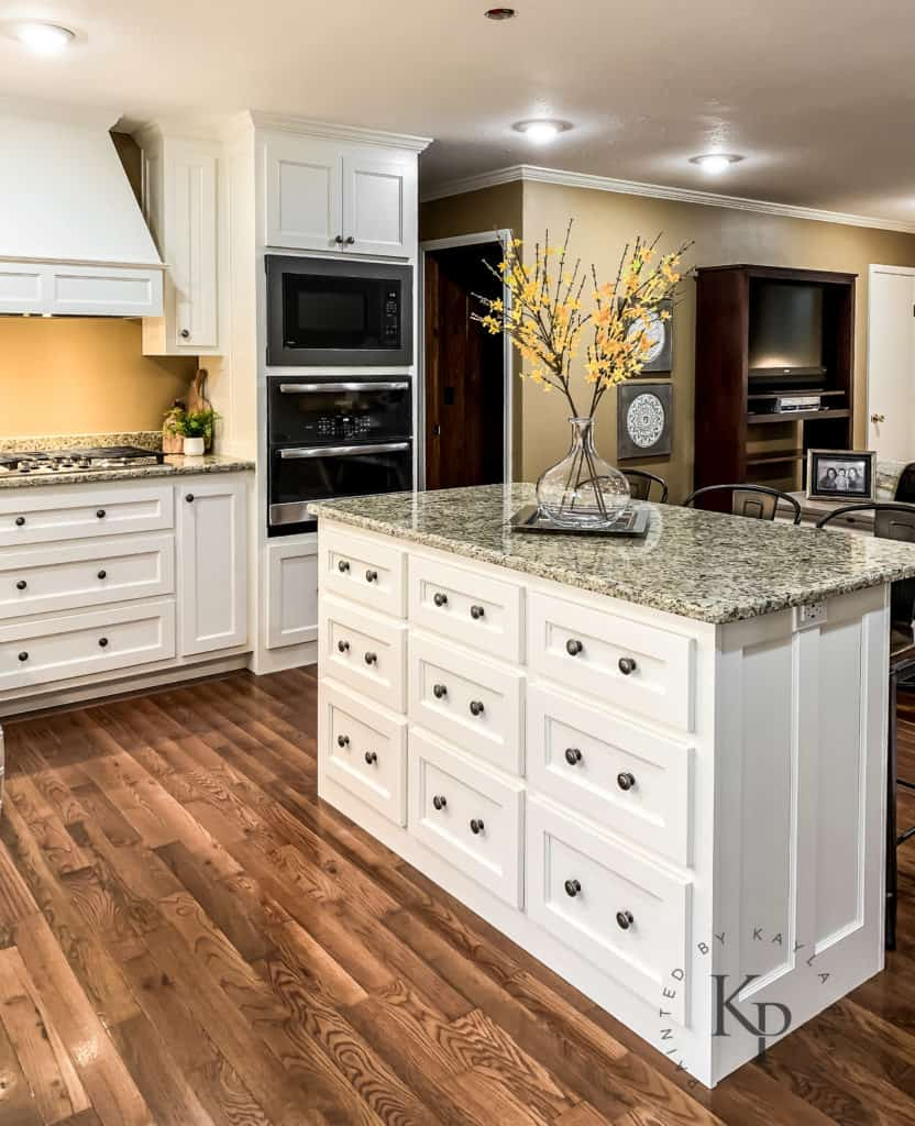 Best Off White Paint Colors: Sherwin Williams Dover White, Dover White Cabinets, Dover